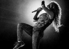 """Shakira sofre duras críticas por show """"pobre"""" no México"""