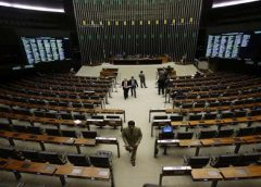 Câmara desiste de votar pauta-bomba