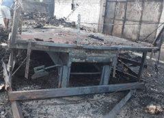 Caminhão carregado com 2 mil frangos vivos é incendiado por criminosos no 4º dia de ataques no Ceará