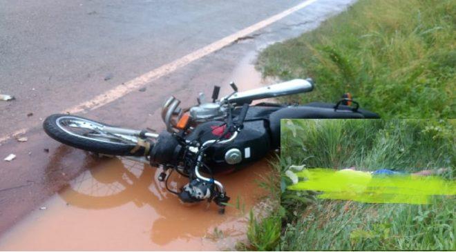 Mauriti-CE: Jovem motoqueiro se envolve em um acidente com um caminhão e acaba perdendo a vida.