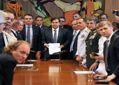 Reforma da Previdência para militares é entregue ao Congresso