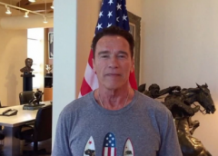 Arnold Schwarzenegger é barrado pela imigração brasileira