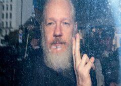 Após entregar Assange, Equador sofre 40 milhões de ataques cibernéticos