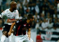 Corinthians vence Lara com gols de Love e Gustagol na Sul-Americana