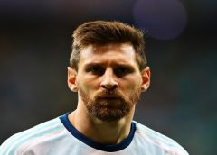 Do vestiário aos microfones, Messi se torna cada vez mais líder de Argentina em constante mutação