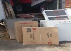 Funcionários de empresa de móveis e eletrodomésticos são presos por furtar mercadorias, na Grande Fortaleza