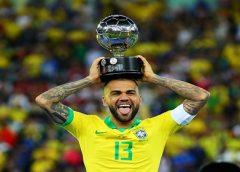 Copa América põe Daniel Alves na mira do Manchester City, que pode esbarrar em limite de estrangeiros