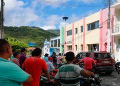 Moradores pedem afastamento de prefeito após denúncia de abuso sexual contra pacientes no Ceará