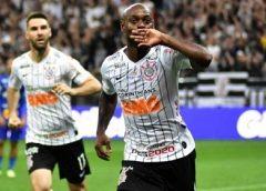Autor do gol, Love elogia melhora nas finalizações do Corinthians
