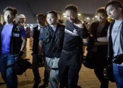 Após apanhar da polícia em 2014, 'corintiano de Hong Kong' diz ter medo de voltar à prisão