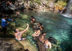 Cachoeiras com águas cristalinas são atrativo de região quilombola na Chapada dos Veadeiros