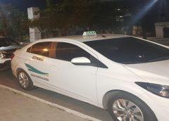 Taxista sofre sequestro-relâmpago durante corrida e criminosos usam veículo para cometer assaltos na Grande Fortaleza