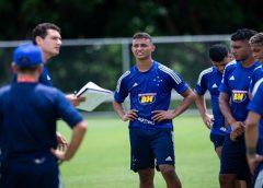 """Perto da estreia, Adilson Batista tem mais de 70% dos jogadores do Cruzeiro """"made in Toca"""""""