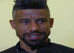Sem clube após deixar o Grêmio, Léo Moura mantém a forma no Boavista e visita CT do Fla