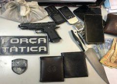 Polícia cerca comércio durante assalto e apreende três adolescentes na Grande Fortaleza