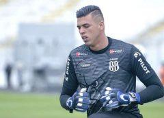 Barcelona tem conversas para contratar jovem goleiro da Ponte Preta