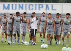 Em reunião, jogadores do Vasco cobram a diretoria por atraso salarial