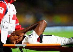 Bruno Henrique se lesiona, deixa o estádio de ambulância e preocupa o Flamengo