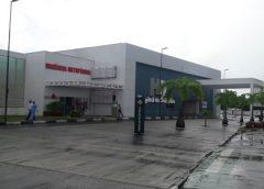 PM fica ferido ao reagir a assalto em ônibus e dois suspeitos morrem na BA-528, entre Simões Filho e Salvador