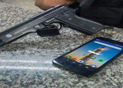 Jovem é preso após roubar doceria e tentar fugir por telhado de casa em Volta Redonda
