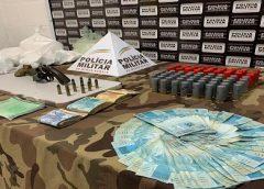 Jovens são presos com drogas, armas e munições em Juiz de Fora
