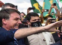 Bolsonaro bate recorde de rejeição, mas mantém base fiel