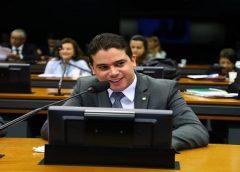 Junior Mano vota favorável a PLP que permite negociação dos débitos de micro e pequenas empresas