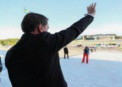 "Bolsonaro sobre atraso dados de coronavírus: ""Acabou matéria no Jornal Nacional"""