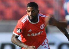 Internacional procura o Flamengo e quer estender o empréstimo de Rodinei