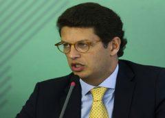 Em ação contra ministro do Meio Ambiente, MPF afirma que Bolsonaro deu aval a Salles