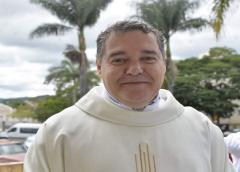Padre de São João del-Rei ganha repercussão nas redes com dança do TikTok