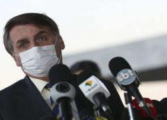 Desta vez, presidente informa nome verdadeiro para fazer teste da covid-19