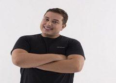 Humorista Renan da Resenha revela estar internado com covid-19