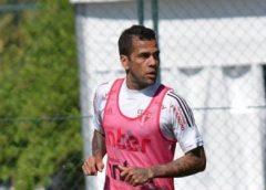 Dani Alves rejeita Flamengo: 'Único clube que jogo no Brasil é São Paulo'