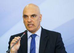 Moraes quer saber se Augusto Aras vai investigar Bolsonaro