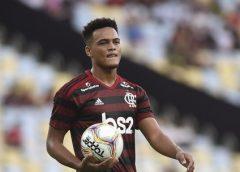 Conheça os jovens que poderão representar o Flamengo contra o Palmeiras após surto de Covid-19