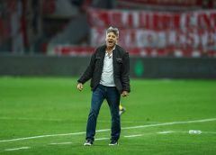 Renato reage a críticas e reinventa Grêmio para fortalecer convicção com 10º Gre-Nal invicto