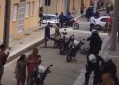 Homem preso em flagrante por crimes de ameaça, desacato e resistência contra PMs é solto em menos de 24h