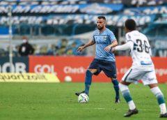 Em um jogo, Maicon quase iguala tempo em campo do mês anterior e busca retomada no Grêmio