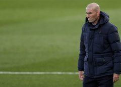 """Zidane naturaliza pressão no cargo antes de clássico e diz que estará """"até a morte"""" com elenco do Real"""