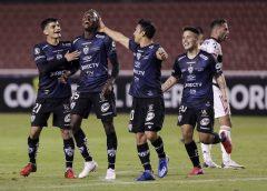 Ecos do sorteio da Libertadores: jogadores do Independiente del Valle comemoram por enfrentar o Nacional