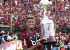 """Com títulos e ótimos números, Bruno Henrique completa 100 jogos pelo Flamengo: """"Mudou minha vida"""""""