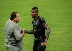"""Guto Ferreira comemora meta alcançada do Ceará: """"objetivo cumprido"""""""
