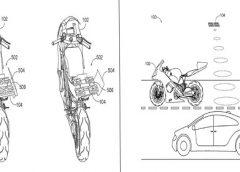 Honda patenteia moto elétrica com drone na traseira