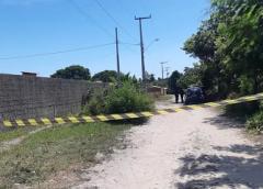 Adolescente de 15 anos e homem são retirados de casa à força e mortos a tiros em Caucaia