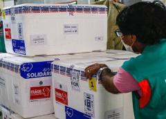 Ceará recebe maior lote de vacinas da Pfizer contra a Covid-19, com mais de 97 mil doses