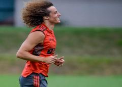 Perto da estreia pelo Flamengo, David Luiz impressiona Renato com bons números e jogo-treino
