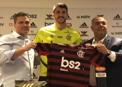 Apresentado, Gustavo Henrique revela apoio de Gabigol para acertar com o Flamengo