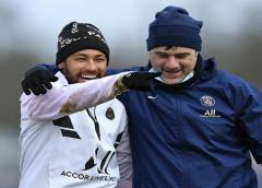 """""""Não tenho dúvidas de que ele quer estar em Paris"""", diz Pochettino sobre Neymar"""